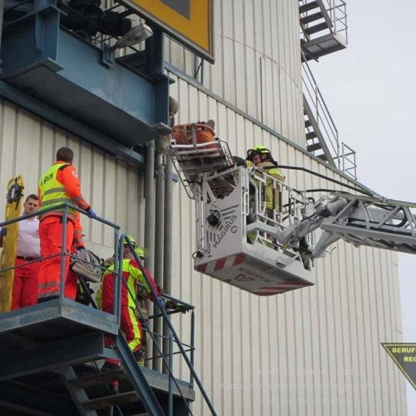 Rettungsaktion im Hafengebiet