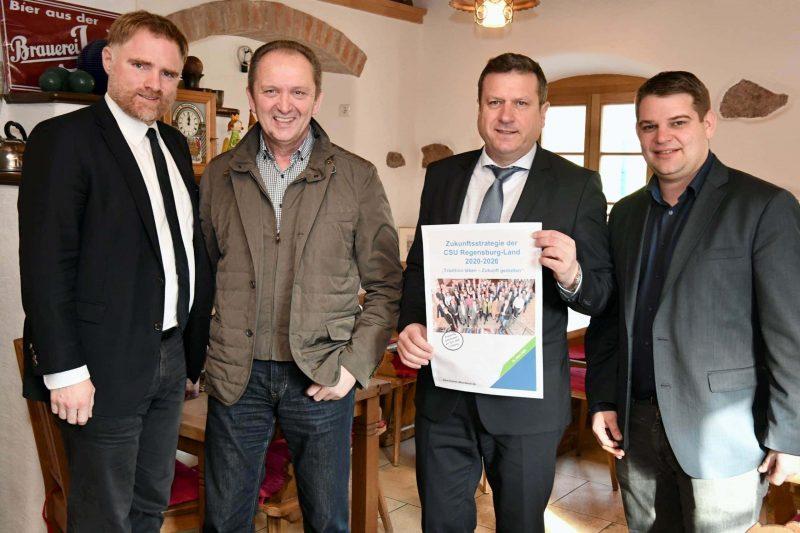 """""""ÖPNV soll in die Mitte der Gesellschaft rücken"""" CSU Regensburg-Land präsentiert in Donaustauf """"Zukunftsstrategie 2020-2026"""""""