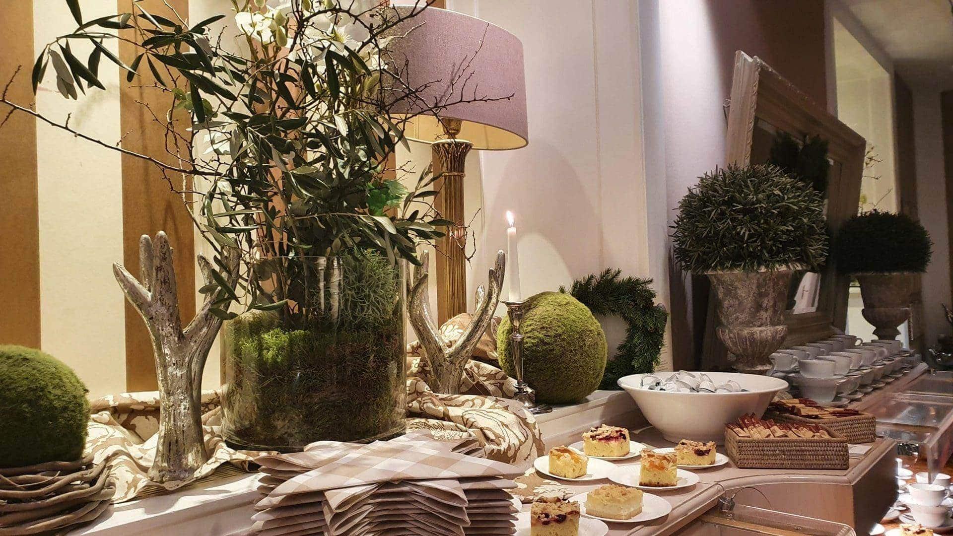 Das Hotel Bischofshof hatte ein großes Kuchenbuffet für die Besucher bereit gestellt