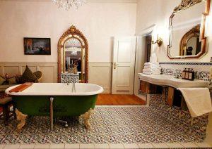 Auch die Badezimmer im Hotel Orphee haben einen ganz besonderen Charme