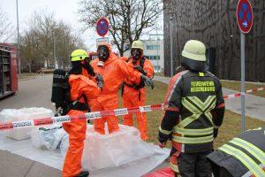 Gefahrstoffbeseitigung im Biopark in Regensburg. Im Einsatz war der Gefahrgutzug der Feuerwehr Regensburg. Foto: Feuerwehr Regensburg & Florian Schimmich (FF Burgweinting)