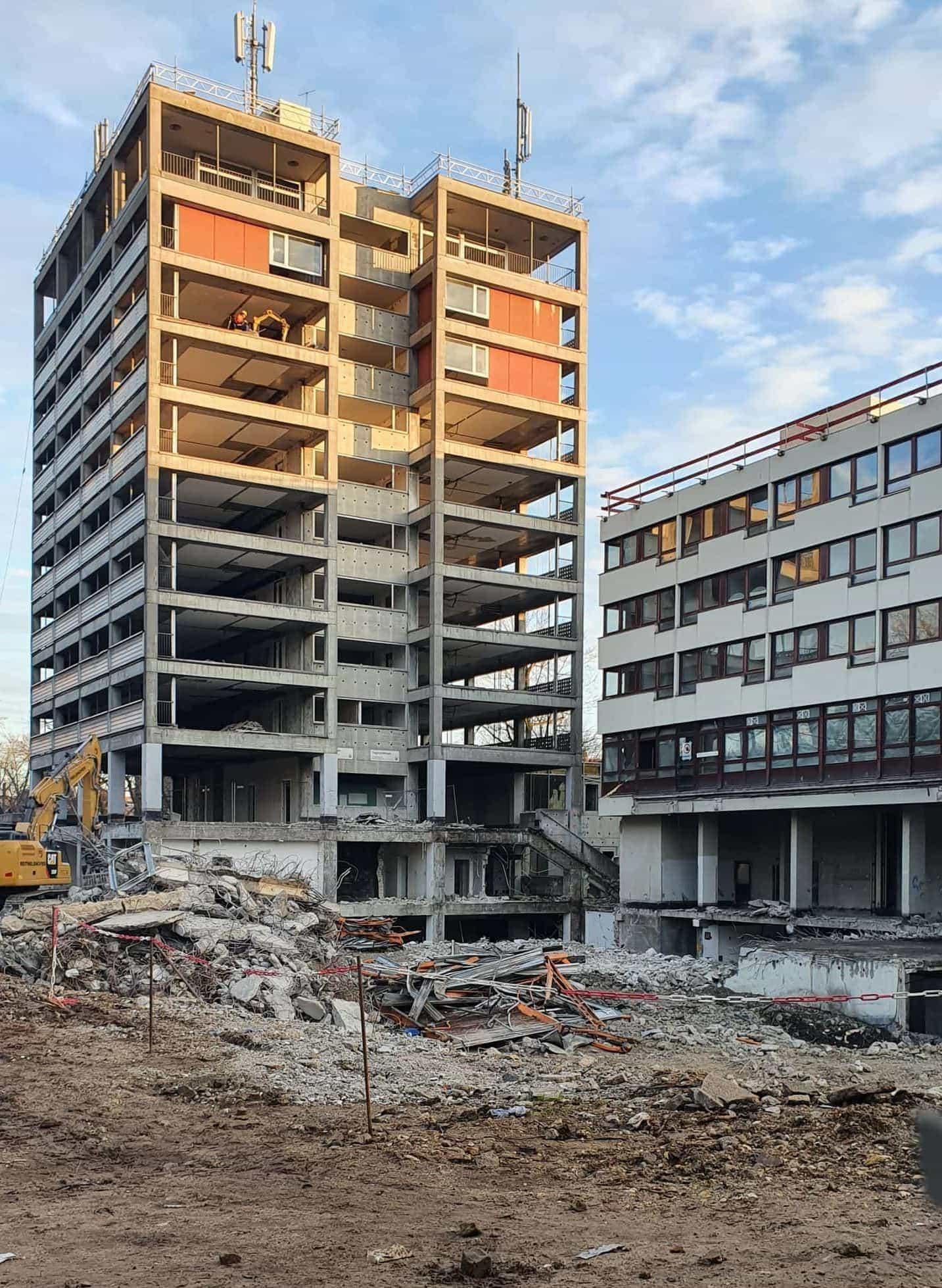 Dialogforum und Pläne zur Umgestaltung des Bahnhofsareals Wirsingturm: Sprengung am Kepler-Areal