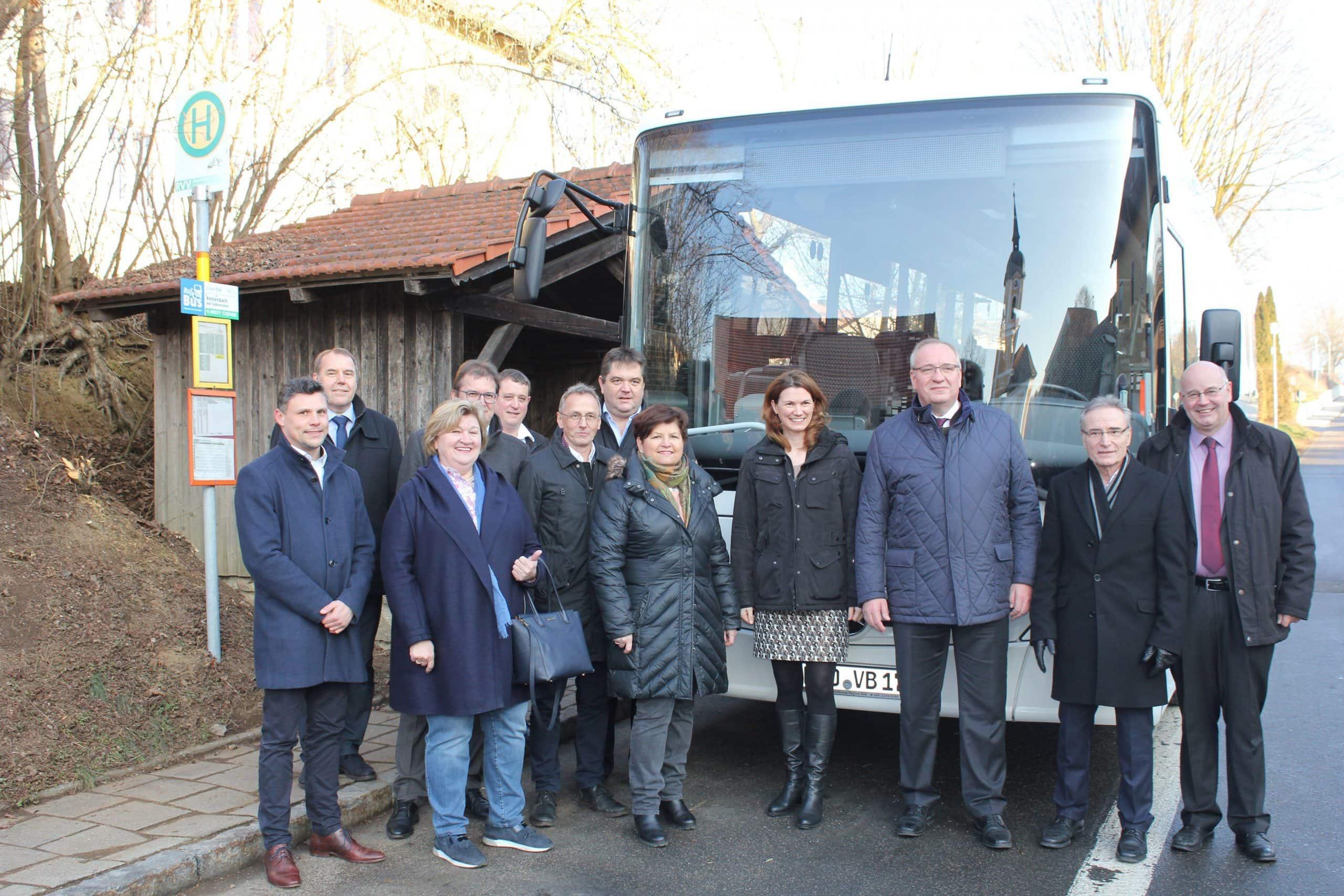 Mit dem Bus überregional unterwegs Zwei Buslinien aus Cham und Roding Teil des Regensburger Verkehrsverbundes