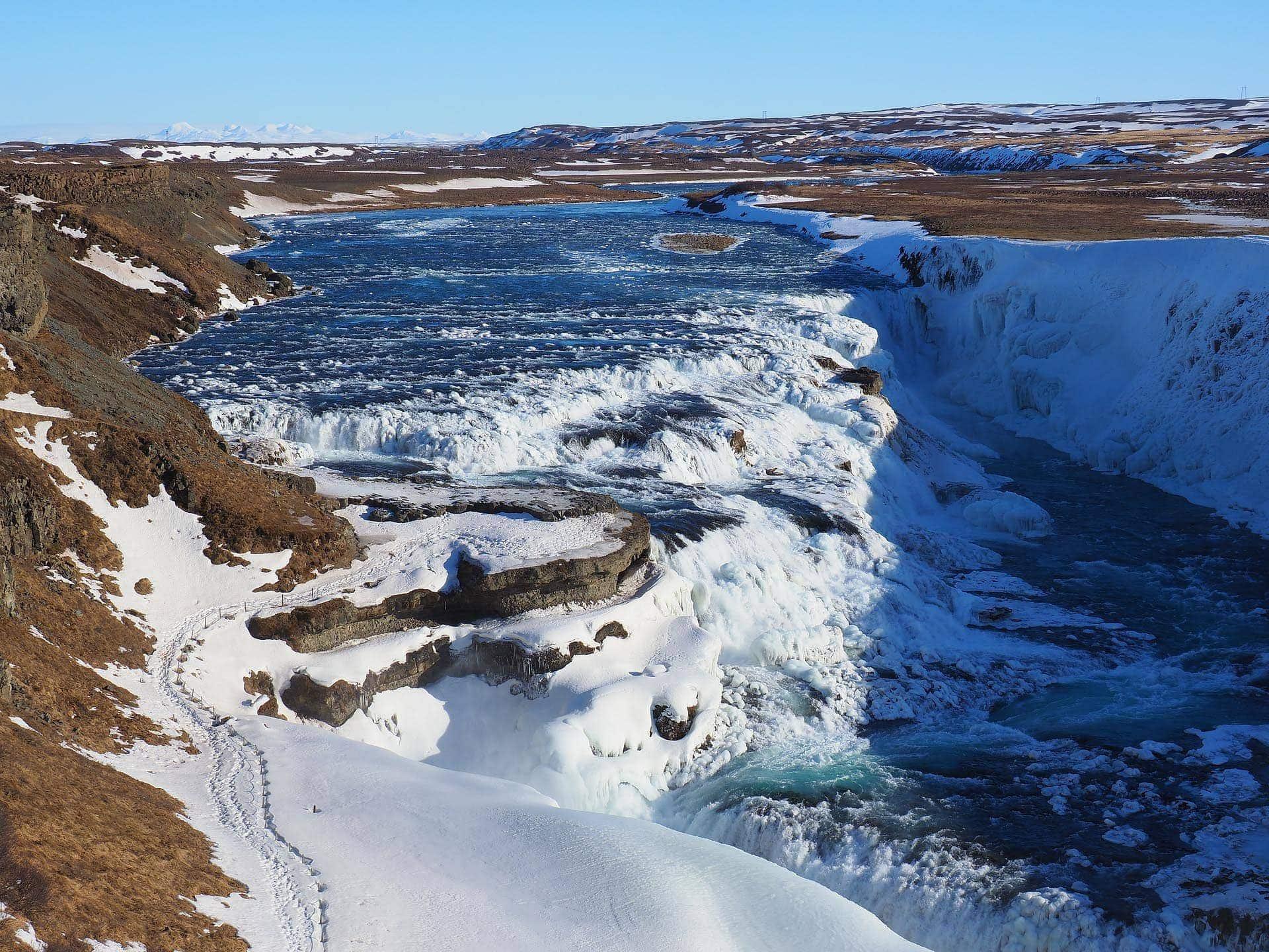 Mit Reisekreativ Island entdecken Vulkane, Geysire und Thermalquellen