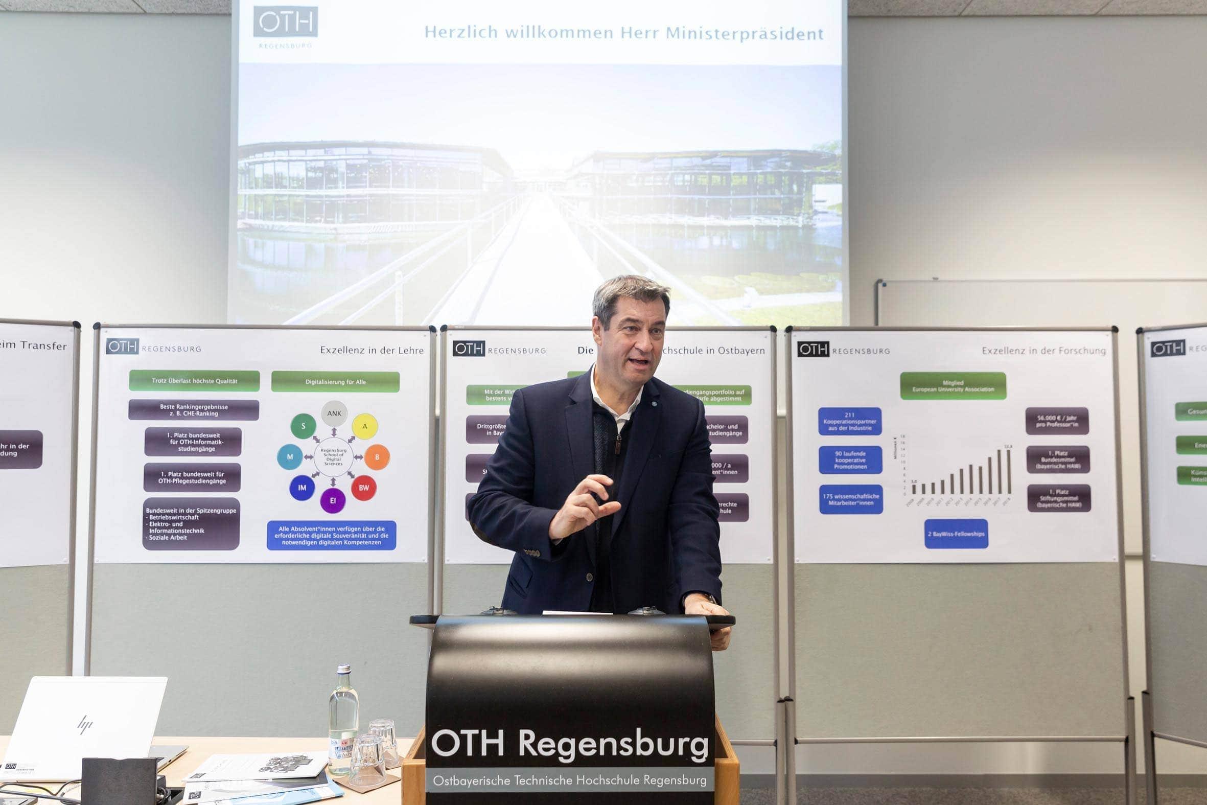 Geldsegen für Regensburger  Hochschulen Dr. Markus Söder verspricht zusätzliche Stellen und Finanzmittel