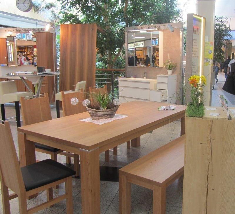 Die Schreinerausstellung im Donau-Einkaufszentrum sorgt für frische Ideen und die Holz-Experten informieren über ihr Handwerk