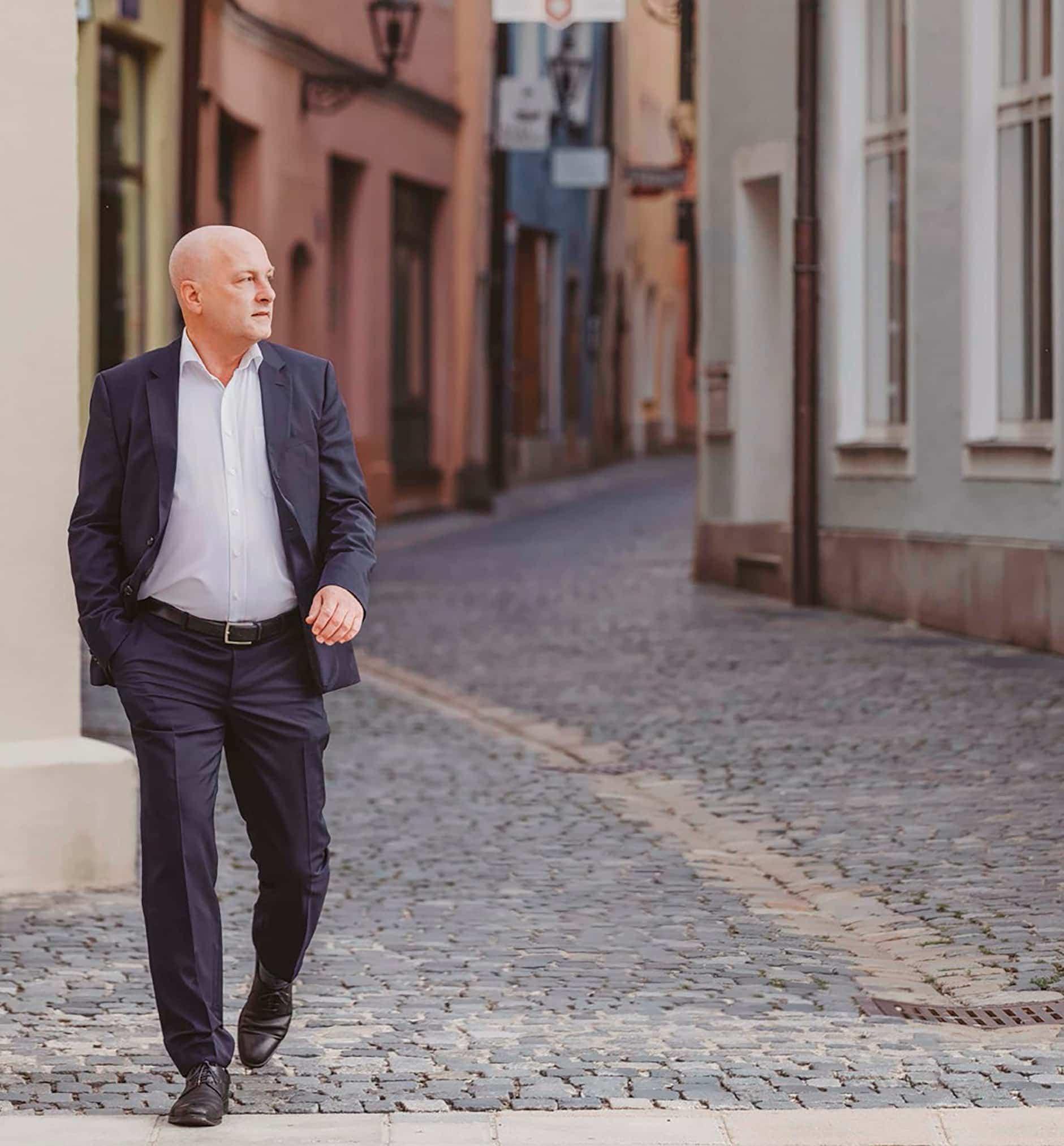 """""""Aufgeben war nie eine Option"""" Joachim Wolbergs ist OB-Kandidat für den Verein BRÜCKE in Regensburg"""