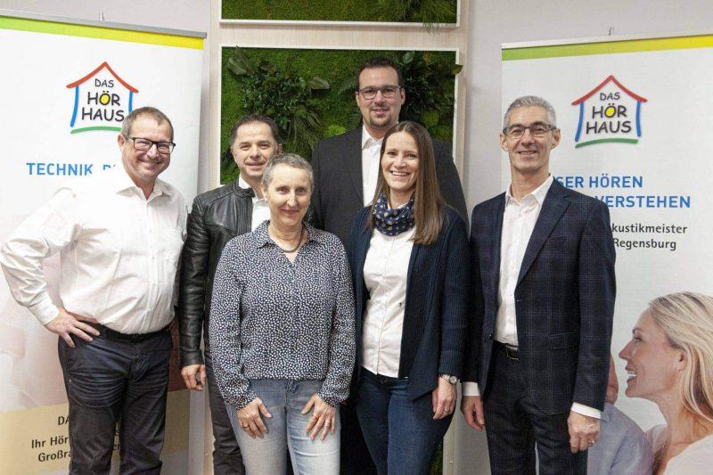Das Hörhaus in Regensburg zeichnet Mitarbeiter aus Langjährige Treue zum Unternehmen
