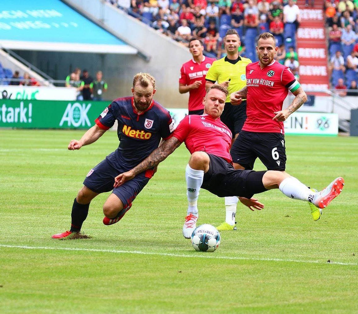 Mit zwei Heimspielen ins neue Jahr SSV Jahn Regensburg gegen Hannover 96