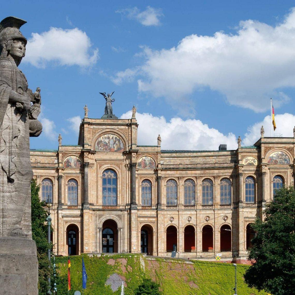 Fahrt in den Bayerischen Landtag MdL Kerstin Radler nimmt Regensburger/innen mit in eine Plenarsitzung