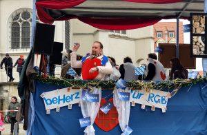 Stadtrat Michael Lehner verteilte großzügig Wählergeschenke