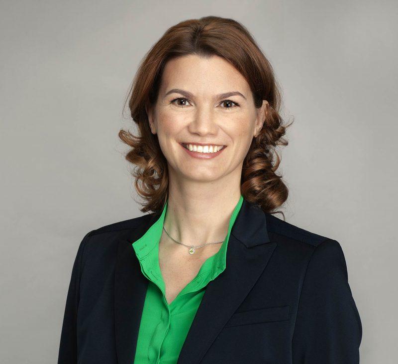 Für Geschlossenheit im Landkreis Amtsinhaberin Tanja Schweiger will weitere sechs Jahre Landrätin sein
