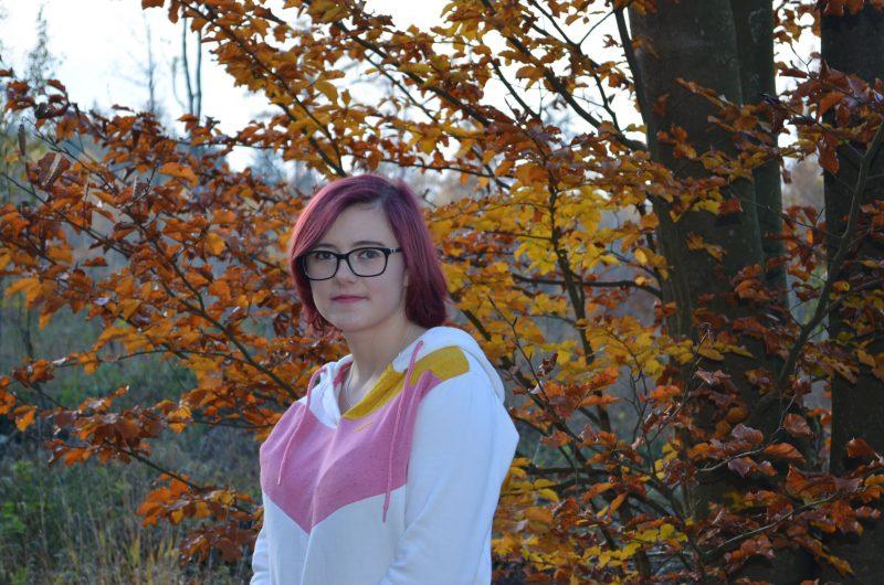 17-jährige Mia Eichberg wird vermisst Hinweise an die Polizeiinspektion Neutraubling