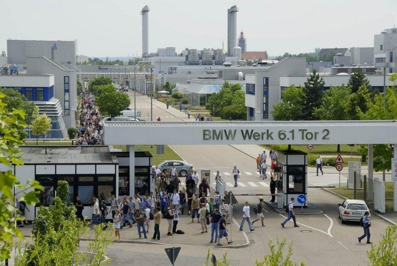 Coronavirus: BMW Werk Regensburg fährt Produktion herunter Auch das Werk in Regensburg trifft die Krise
