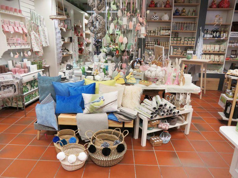 """Besondere Geschenke für besondere Menschen Fachgeschäft """"Frauenzimmer - mode und mehr"""" in Regensburg feiert einjähriges Jubiläum"""