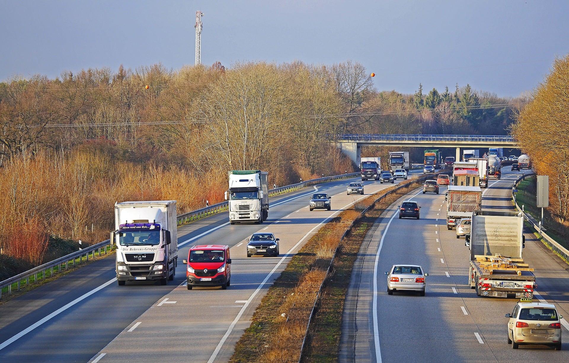 A3-Ausbau: Weitere Autobahnbrücke abgebrochen Sperrung nach erfolgreichen Abbrucharbeiten wieder aufgehoben