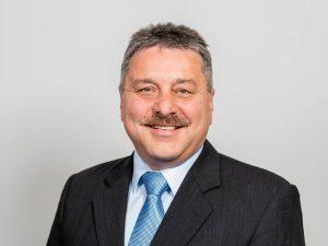 SPD - Hans Holler (52) Lokomotivführer Foto: Petra Homeier