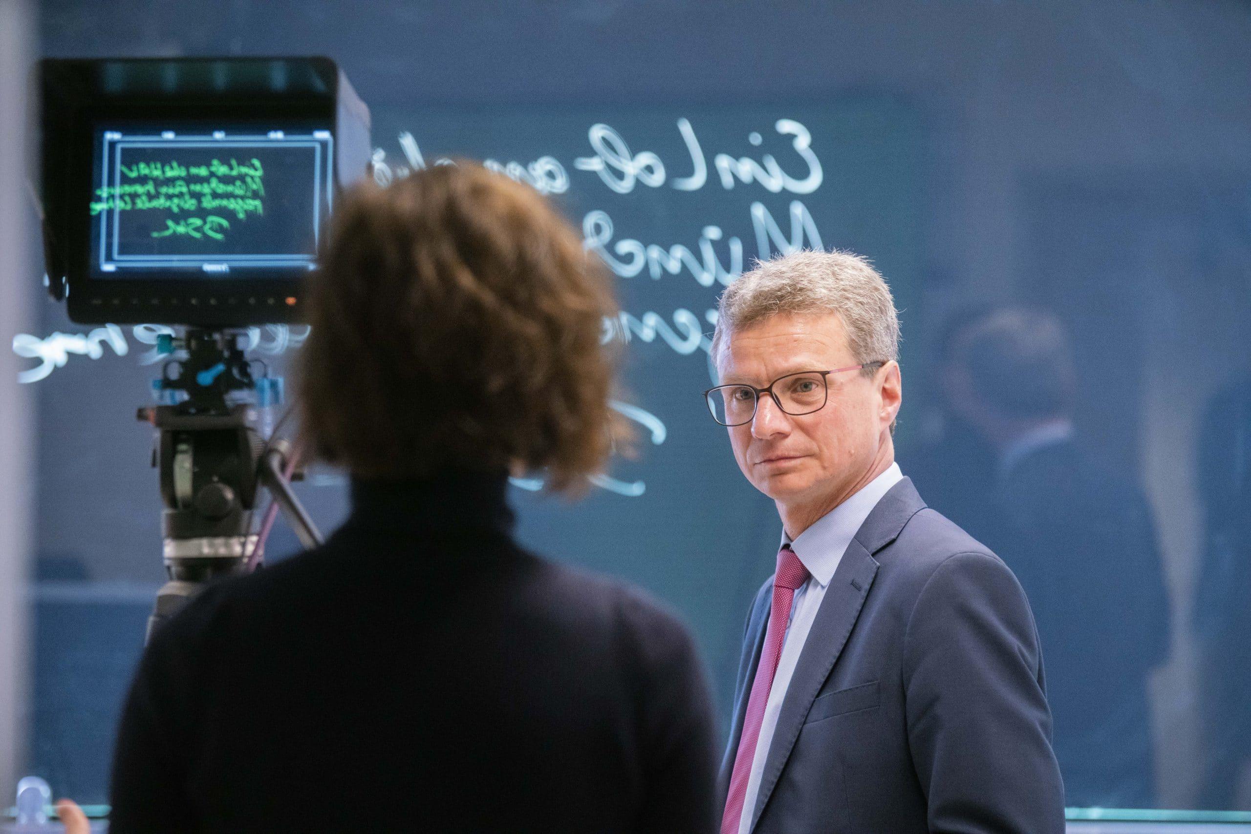 Vorlesungsbetrieb startet am 20. April Bayerns Hochschulen setzen auf Online-Lehre