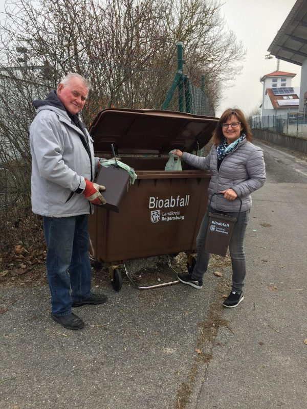 Jeden Monat 100 Tonnen Bioabfälle Landkreis Regensburg: In acht Gemeinden gibt es jetzt zusätzliche braune Tonnen außerhalb der Wertstoffhöfe