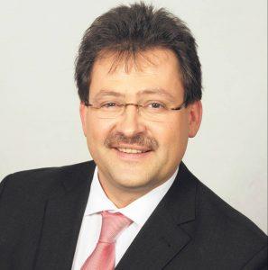 In Donaustauf ist weiterhin Jürgen Sommer (SPD) der Rathauschef. Bei einer Wahlbeteiligung von 76,83 Prozent konnte er in der Stichwahl 55,29 Prozent der Wählerstimmen auf sich vereinen. Sein Konkurrent Christian Blüml (CSU) brachte es auf 44,71 Prozent.
