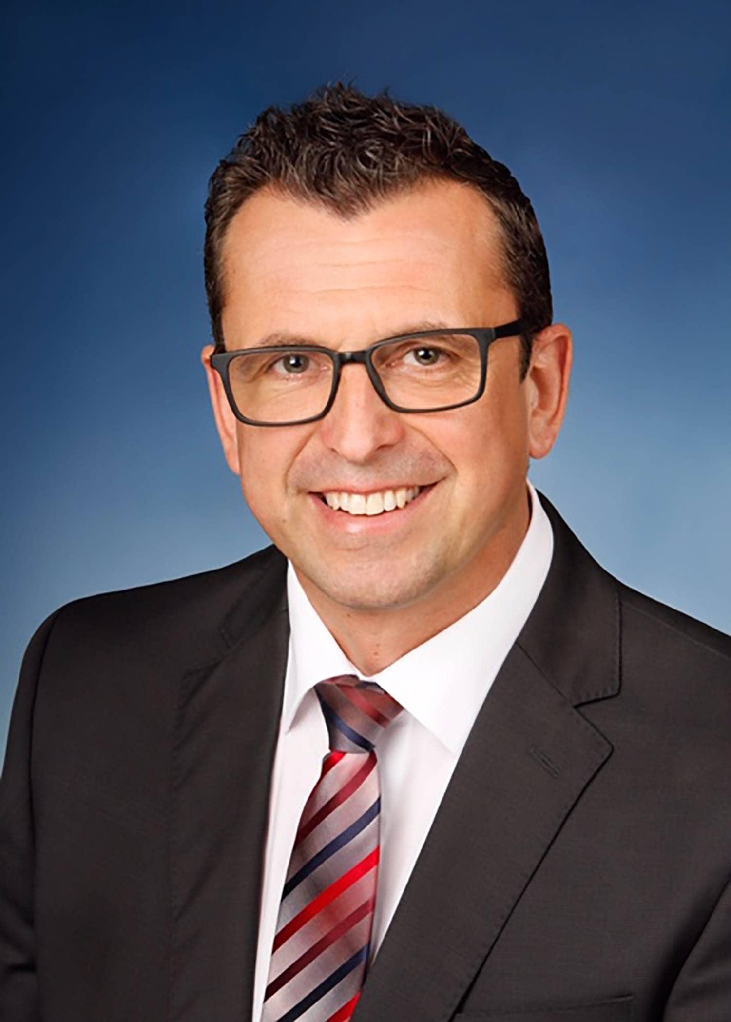 In Köfering wurde der amtierende Bürgermeister Armin Dirschl (Bürgerliste Köfering-Egglfing) mit 87,91 Prozent wiedergewählt. Er trat gegen Susanne Leikam (Bündnis 90/Die Grünen) an. Die Wahlbeteiligung lag bei 56,57 Prozent.