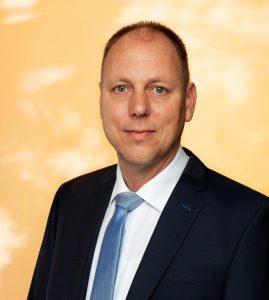 Der amtierende Bürgermeister Christian Hauner von den Freien Wählern kann sein Amt am 1. Mai fortsetzen. Bei den Bürgermeisterwahlen im Markt Lappersdorf erhielt er 54,41 Prozent der Stimmen vor Helmut Altmann von der CSU mit 28,68 Prozent und der SPD-Kandidatin Katja Stegbauer mit 16,92 Prozent der Stimmen.