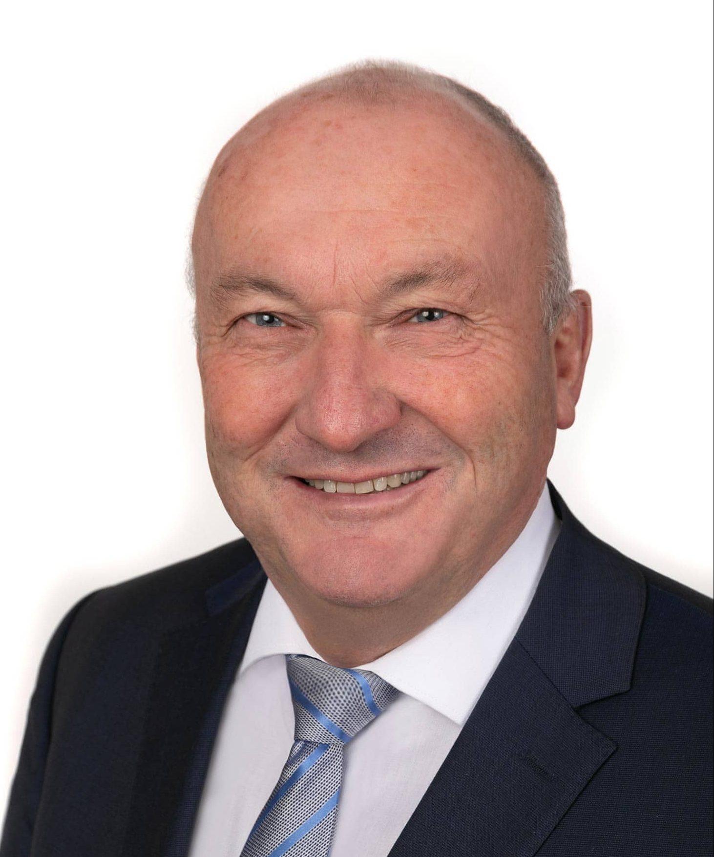 In Nittendorf wurde der Bürgermeister bestätigt. Helmut Sammüller (Freie Wähler/FW-UWG Nittendorf) gewann mit 71,44 Prozent vor dem CSU-Kontrahenten Bawidamann mit 28,56 Prozent. Foto: Fotostudio Daniel