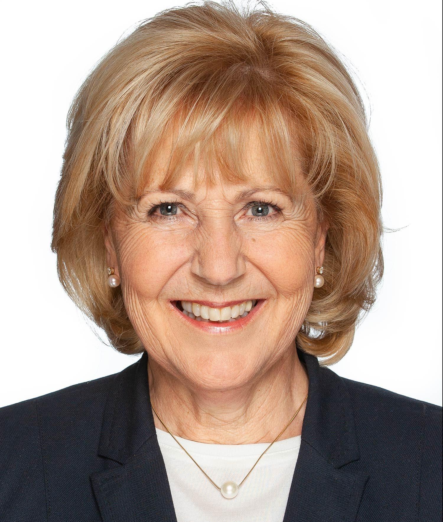 Die seit 2014 amtierende Bürgermeisterin Barbara Wilhelm (Freie Wähler) wurde in Pentling mit 53,83 Prozent wiedergewählt. Sie trat gegen zwei Gegenkandidaten an. Die Wahlbeteiligung liegt bei 67,37 Prozent. Foto: Fotostudio Zink