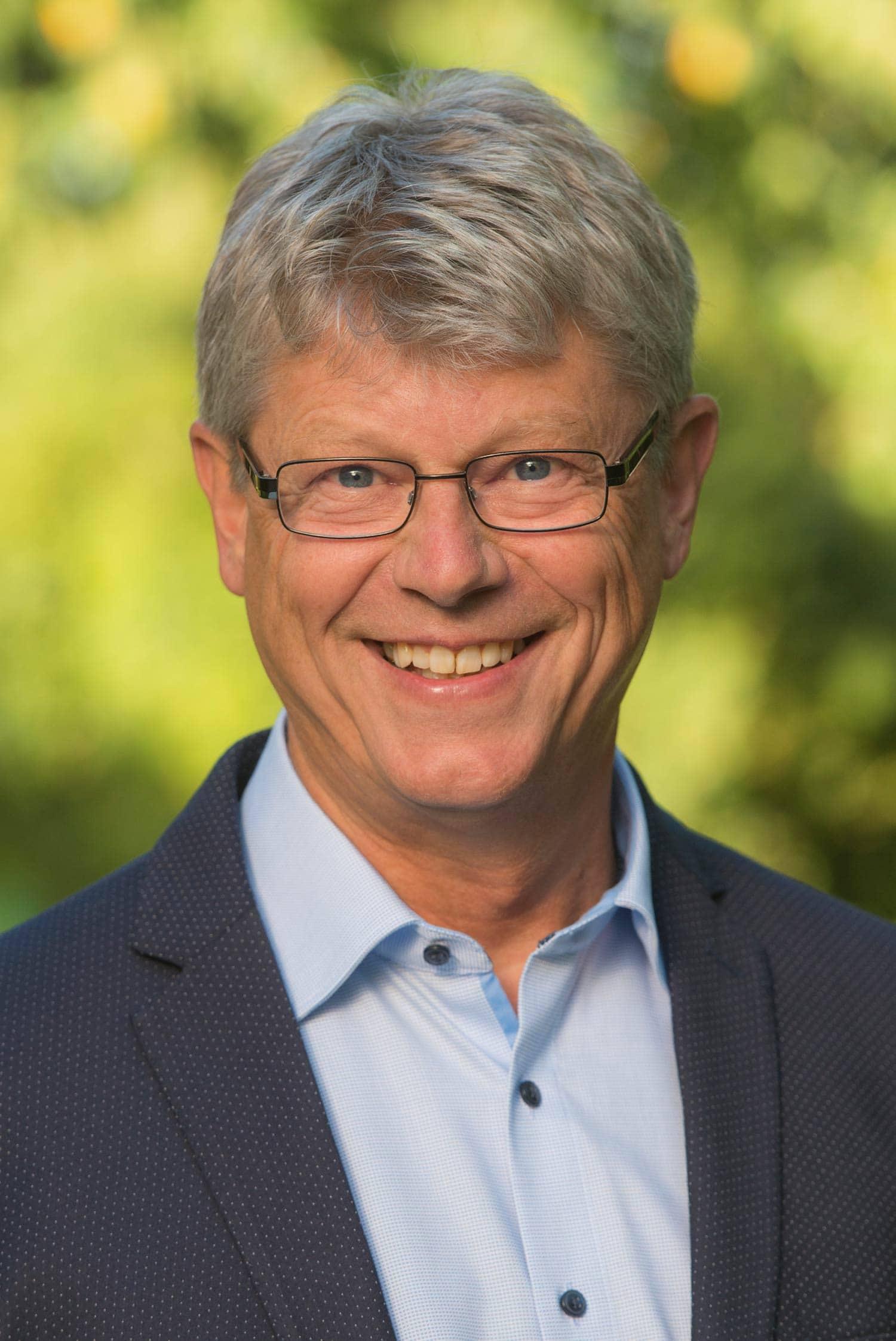 Der Pettendorfer Bürgermeister Eduard Obermeier geht in seine vierte Amtszeit. Der Freie Wähler-Politiker errang mit 50,87 Prozent knapp die absolute Mehrheit. Foto: Klaus Kurz