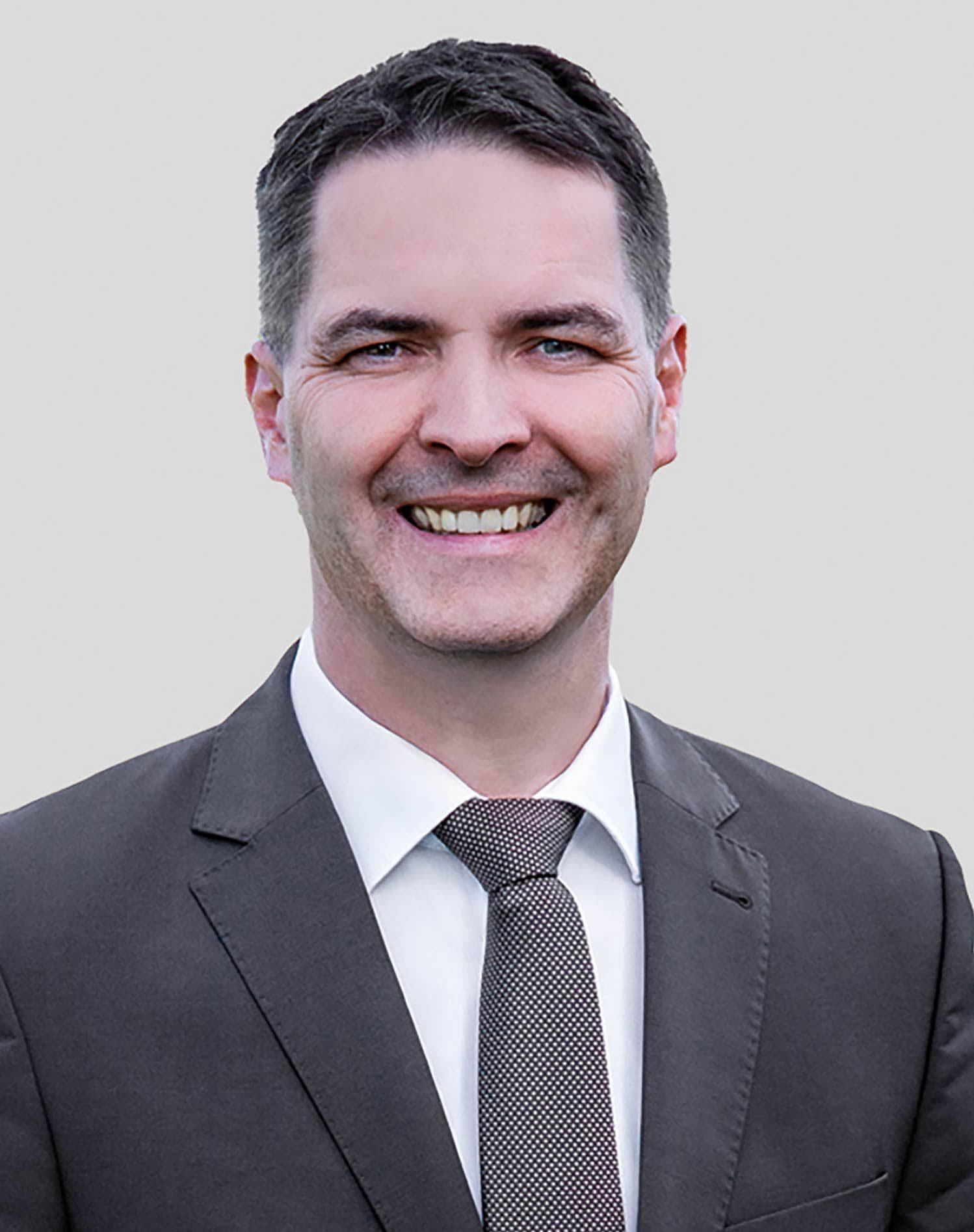 Überzeugender Sieg für Josef Schindler. Der CSU-Mann gewann in Regenstauf das Bürgermeisteramt mit 63,45 Prozent.