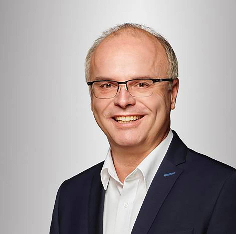In der Gemeinde Sünching setzte sich Robert Spindler von den Freien unabhängigen Wählern (FuW) mit 75,61 Prozent gegen den CSU-Politiker Grundner durch. Die Wahlbeteiligung lag bei 67,70 Prozent. Foto: Germann Popp