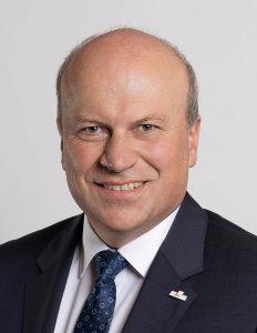 Fest im Sattel sitzt Christian Kiendl. Der Politiker der CSU/CWG (Christlich-Soziale Union/Christliche Wählergemeinschaft) wurde in Schierling mit 69,87 Prozent im Bürgermeisteramt bestätigt.