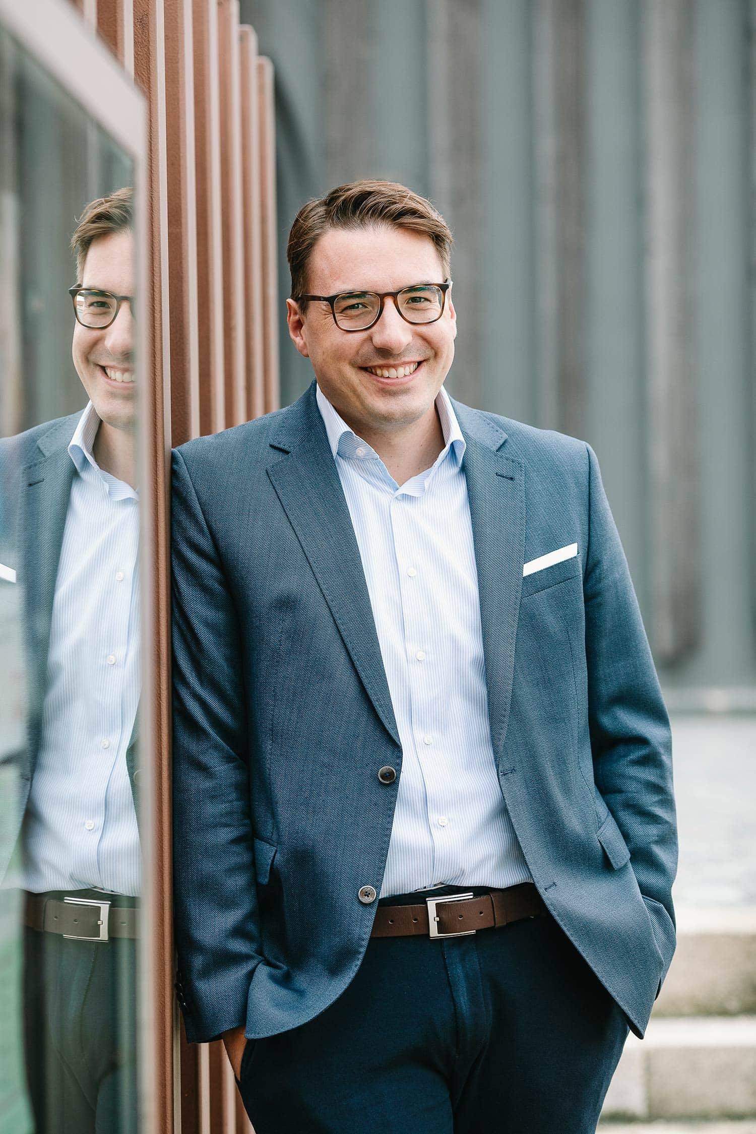 Der SPD-Bürgermeister von Wenzenbach ist für weitere sechs Jahre gewählt worden. 71 Prozent stimmten für Sebastian Koch.