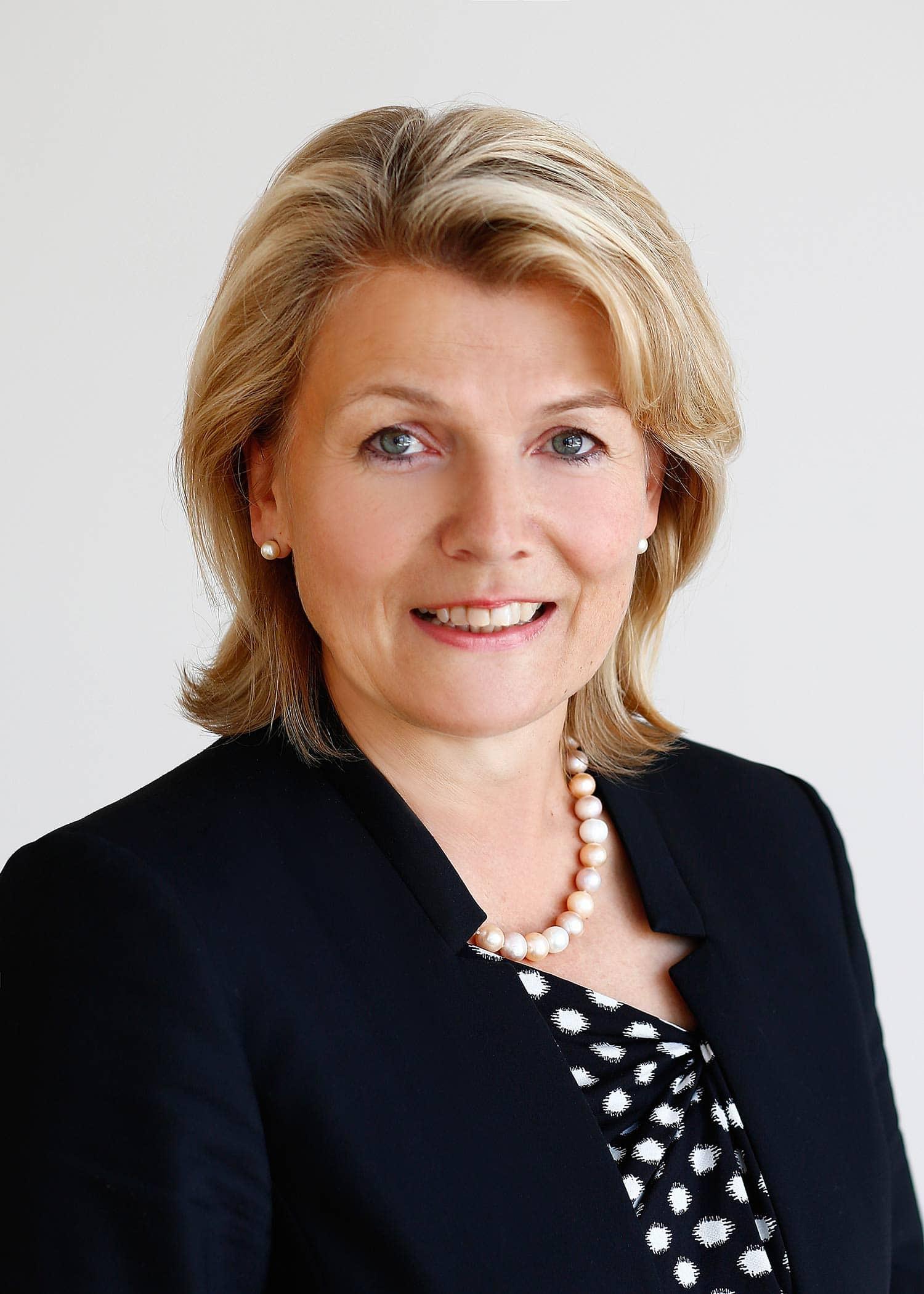 In Wiesent war schon vor der Wahl klar, wer Bürgermeisterin wird beziehungsweise bleibt: die bisherige Bürgermeistern Elisabeth Kerscher! Kerscher hatte keine Gegenkandidaten und konnte so 93,19 Prozent der Stimmen erzielen. 6,81 Prozent der Wählerinnen und Wähler stimmten für Kandidaten, die sie auf dem Stimmzettel ergänzt hatten. Foto: Graggo
