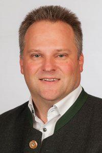 """Neuer Bürgermeister in Wolfsegg ist Roland Frank von der """"Bürgerliste der Parteilosen Wolfsegg"""" (BLW). Er gewann die Wahl deutlich mit 76,48 Prozent."""