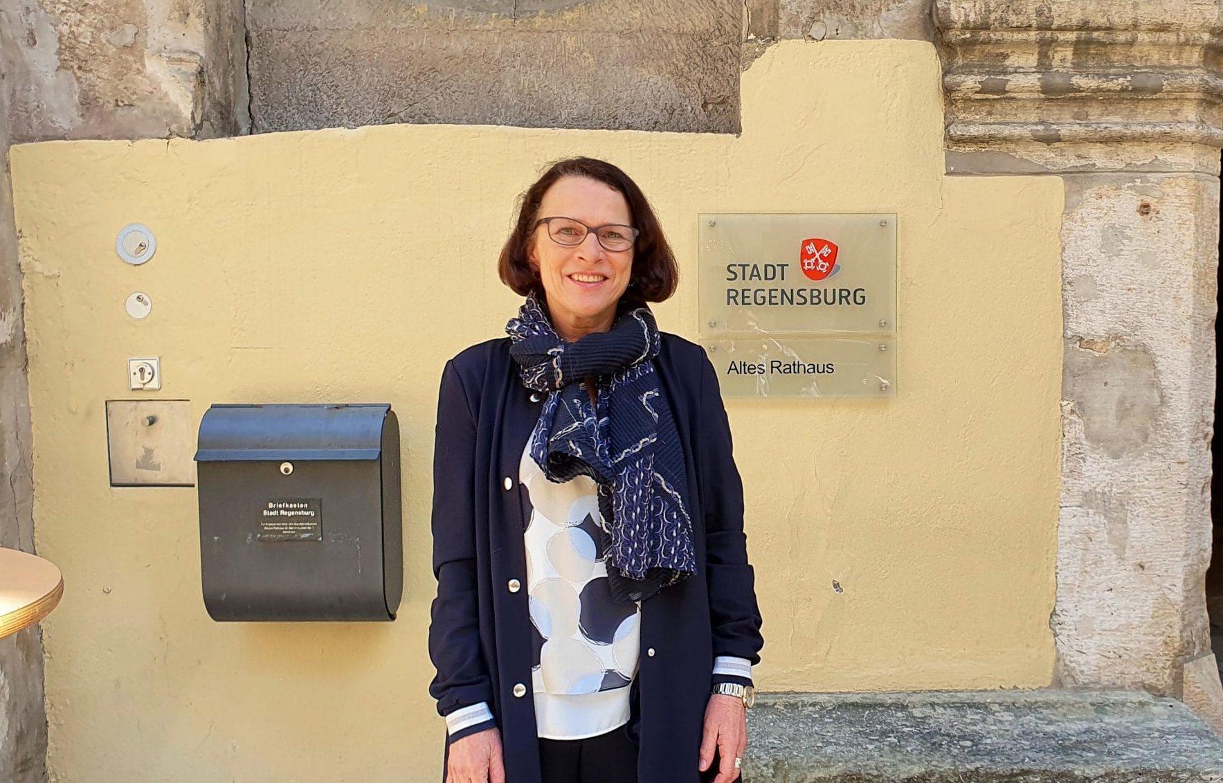 Gertrud Maltz-Schwarzfischer: Pragmatisch, flexibel, legitimiert So navigiert die neue Oberbürgermeisterin Regensburg durch die Krise