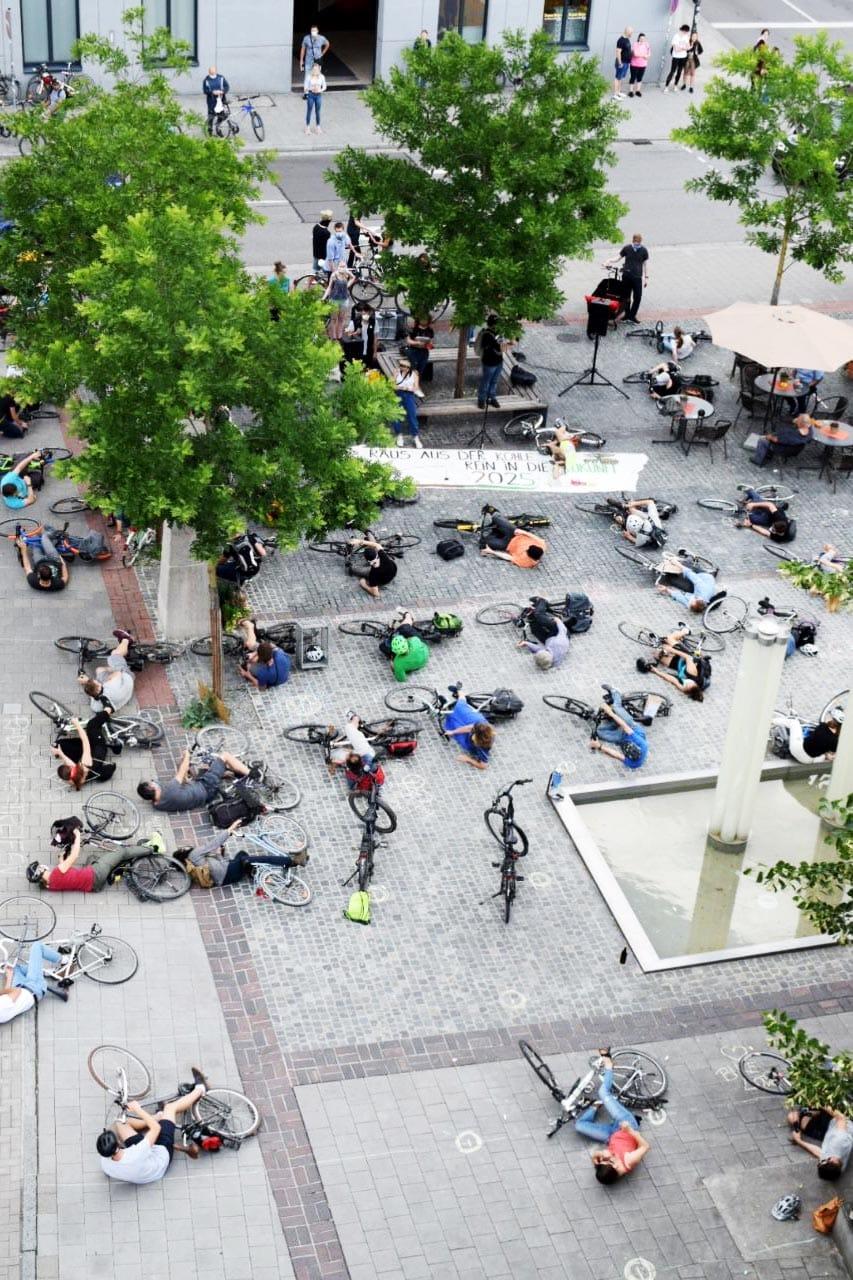 Aus für temporäre Fahrradspuren Trotz großer Kundgebung wurde der Antrag der Grünen abgelehnt