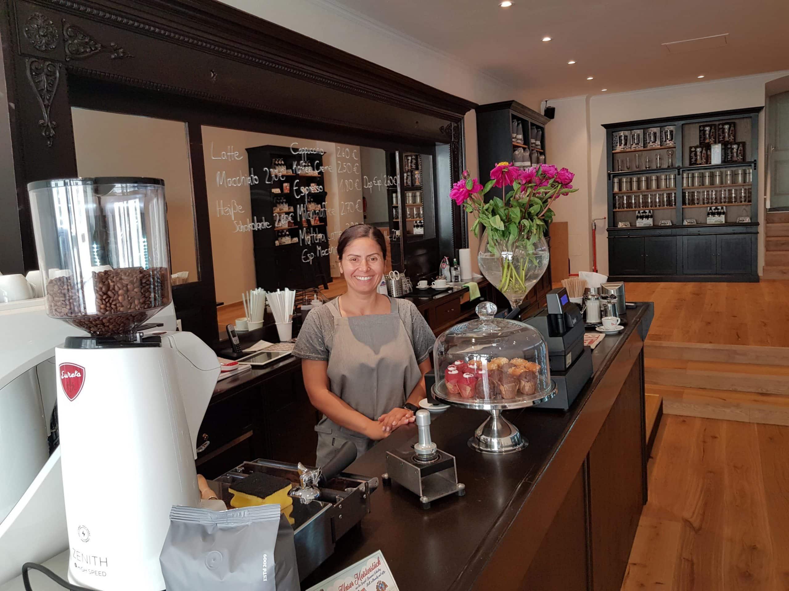 Neue Anlaufstelle für Durstige Brauereiladen mit Produkten der Spezial-Brauerei Schierling eröffnet in der Gesandtenstraße