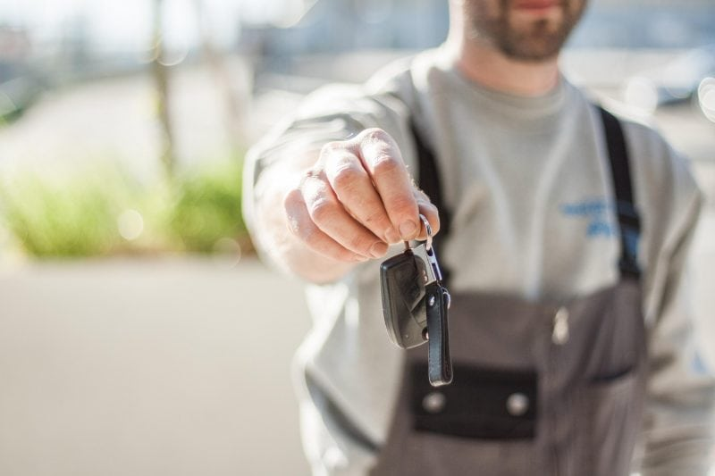 Sicher und entspannt mit dem Auto in den Urlaub Ein frühzeitiger Check schützt vor bösen Überraschungen auf Reisen