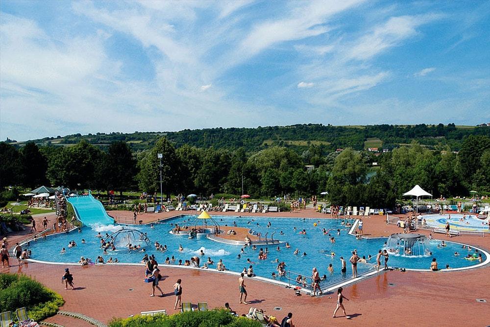 Bald startet auch Regensburg in die Freibadsaison Wöhrdbad und Freibadbereiche des Westbads öffnen am 11. Juni