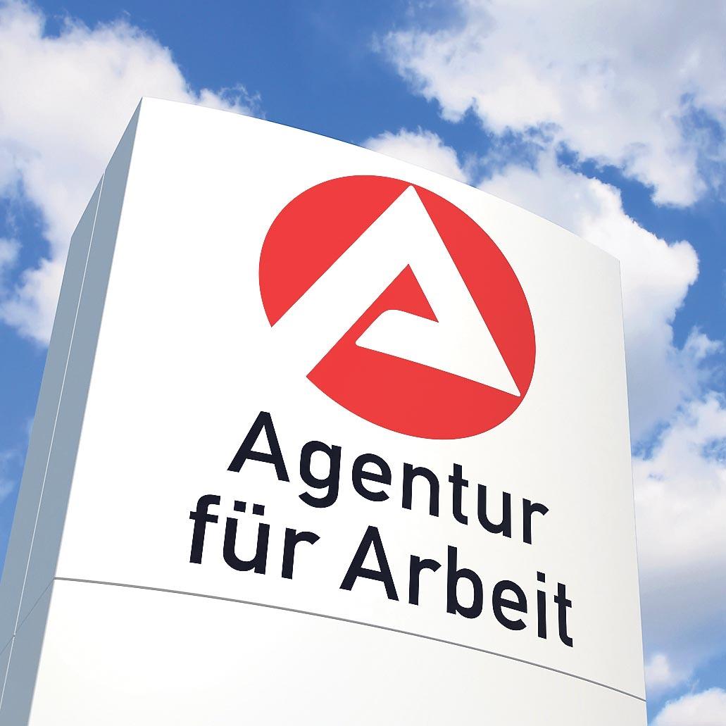 Corona-Krise trifft den Arbeitsmarkt schwer Regensburg: So viele Arbeitslose wie seit 10 Jahren nicht mehr / Arbeitsmarktbarometer auf Rekordtief / Weniger Arbeits- und Ausbildungsstellen