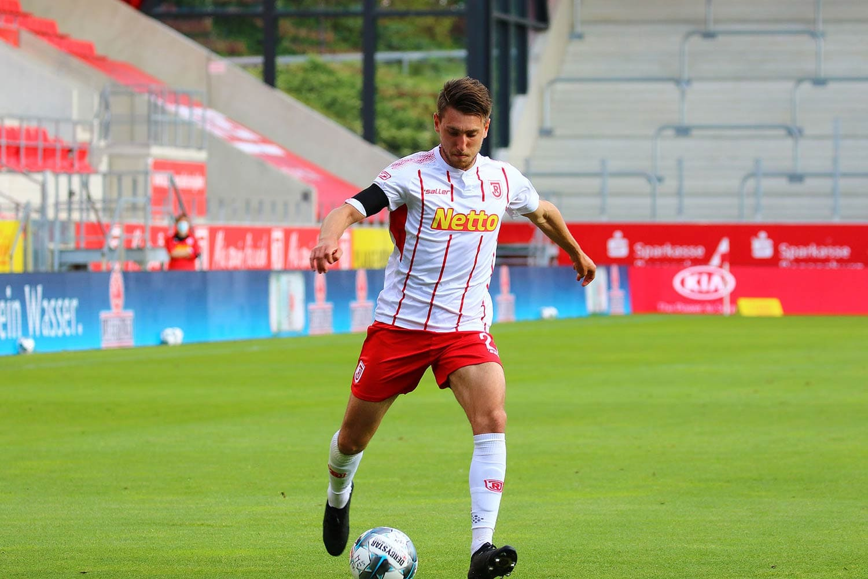 Bitte noch einmal ganz genau zielen, SSV Jahn Regensburg 2. Fußball-Bundesliga: Regensburg könnte in Heidenheim oder gegen Karlsruhe die magische 40-Punkte-Marke knacken