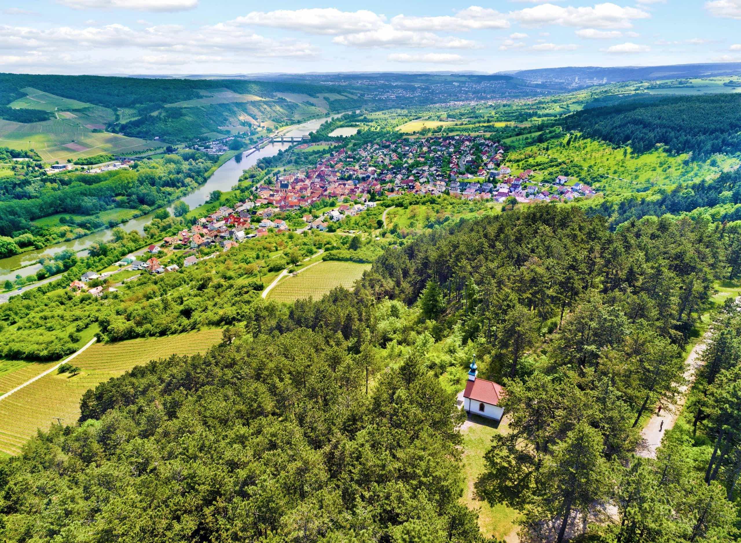 Das ZweiUferLand am Main – urlauben inmitten von Weinbergen Nördlich von Würzburg gibt es viel zu entdecken