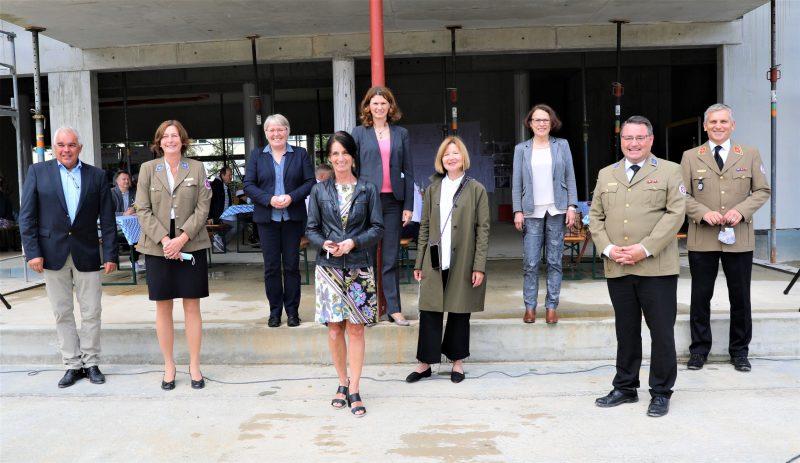 Includio in Regensburg feiert Richtfest Die Hälfte der Bauzeit beim Johanniter-Inklusionshotel ist bereits erreicht