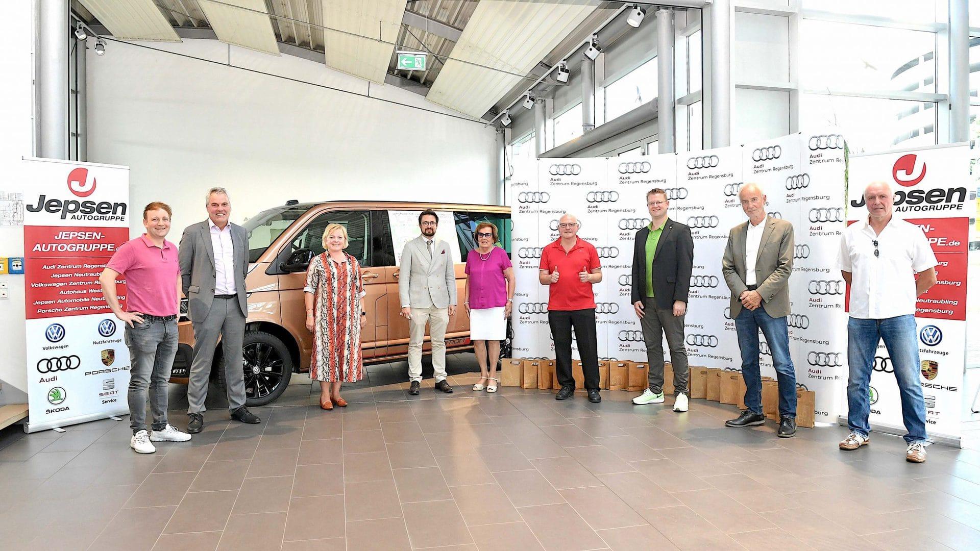 """""""Laufen verbindet"""" – 50 Kilometer von Straubing nach Regensburg Armin-Wolf-Laufteam sammelt laufend Spenden für das Sport- und Bewegungszentrum"""