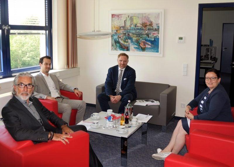 Regensburg ist in Kurzarbeit MdB Peter Aumer informiert sich über Auswirkungen der Coronakrise