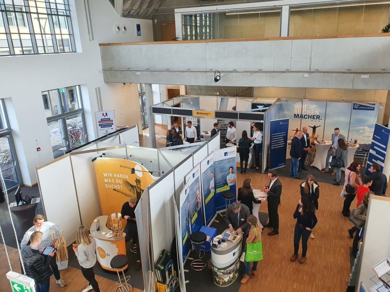 Regensburg freut sich auf meineZukunft! Job- und Karrieremesse im Februar 2021 Die Messe für Job, Bildung und Karriere findet zum dritten Mal statt