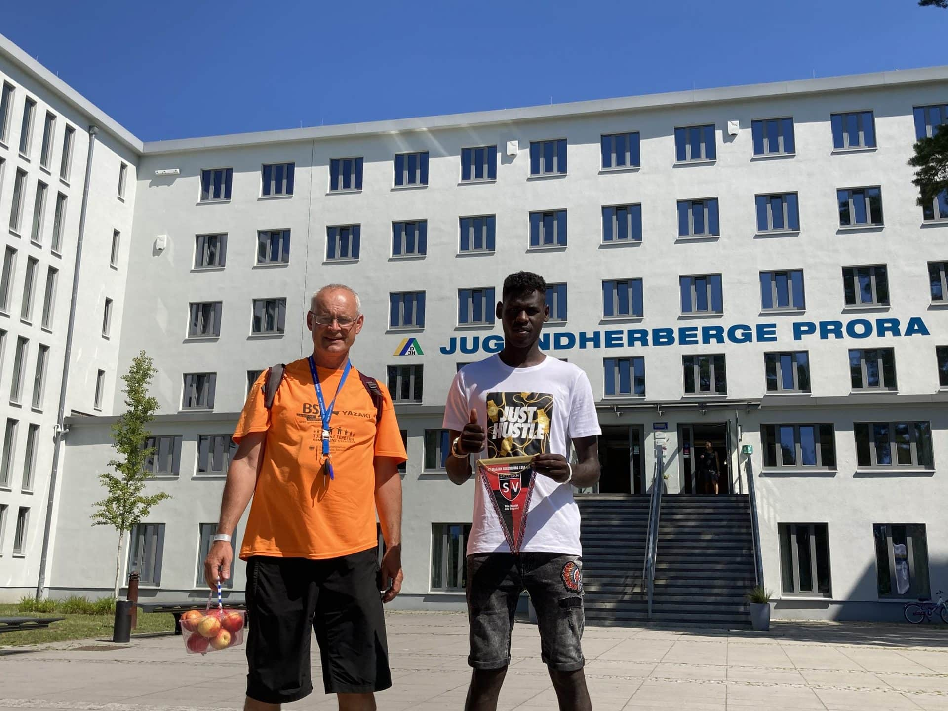 SV Sallern mit Jugendzeltlager an der Ostsee Wir möchten die Jugend motivieren und qualifizieren