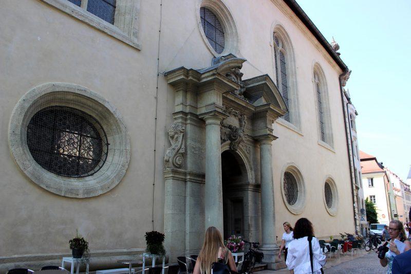 Der Dreieinigkeitskirche steht eine Mega-Sanierung bevor Kirchengebäude in der Gesandtenstraße ist jetzt frei von Gerüsten