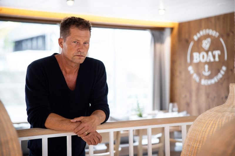 Mit Til Schweiger hinter die Kulissen des Barefoot Boats Schauspiel-Star stellt Schifffahrtserlebnis in Regensburg vor